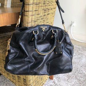 Stunning leather Prada handbag used 1 time